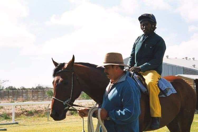 Dynasty with groom 'Sparrow' and Malan du Toit.